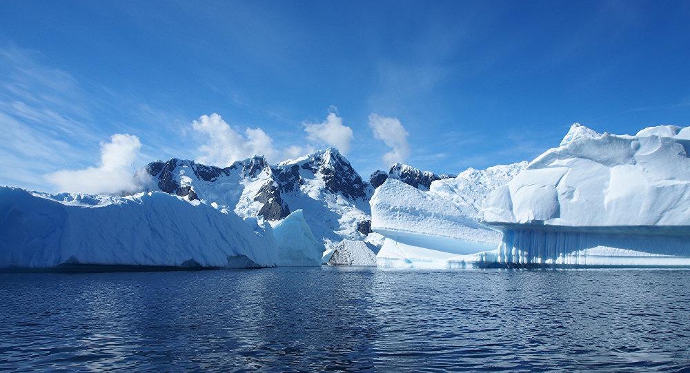 explorer l'arctique à Bord du commandant Charcot